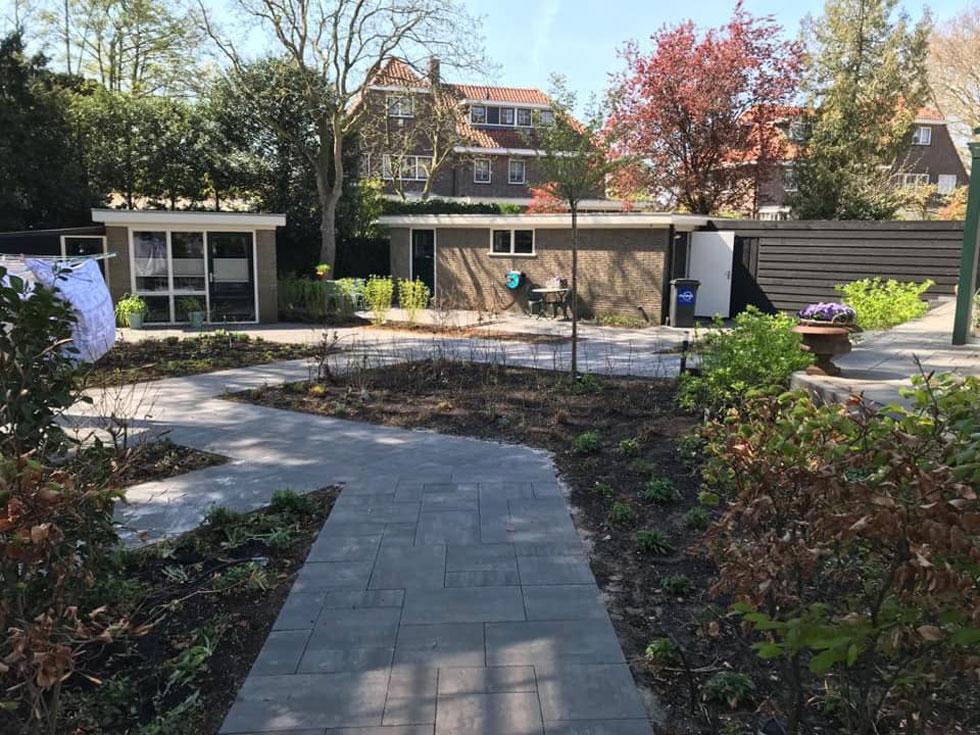 cest-la-vie-huis-zoekt-sponsoren-voor-de-achtertuin