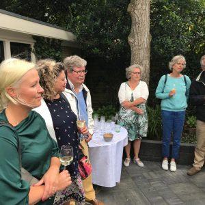Bezoekers Nieuwe Achtertuin Van C'est La Vie-Huis